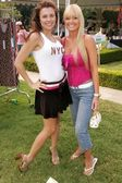 Alcia Arden and Katie Lohmann at the W Hollywood Yard Sale Presented by Guess benefitting Clothes Off Our Back. Private Residence, Brentwood, CA. 09-17-05 — Стоковое фото