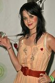 Katie Perry at the unveiling of XBOXs Next Generation Console, Avalon, Hollywood, CA 05-05-05 — Stock Photo