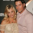 Постер, плакат: Kaley Cuoco and Jaron Lowenstein