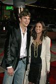 Ashton Kutcher and Demi Moore — Stock Photo
