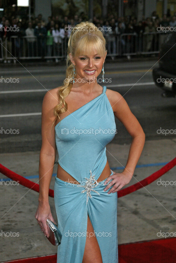 Katie Lohmann at the The World Premiere of Guess Who, Grauman's Chinese Theatre, Hollywood, CA 03-13-05 — Stock Photo #17046167