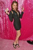 Alicia arden auf der bank-wärmflasche-sammelkarten feiert herbst fantasy veröffentlichung 2004-trading-card-serie, glückseligkeit, west hollywood, ca 20.11.04 — Stockfoto