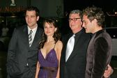 Clive Owen, Natalie Portman, Mike Nichols and Jude Law — Stock Photo