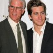 Ted Danson and Jake Gyllenhaal — Foto Stock #17106317