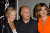 Glenn Close, Michael Chiklis and Catherine Dent — Stock Photo