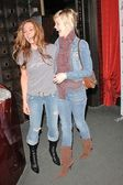 Krista Allen and Ashley Scott — Stok fotoğraf