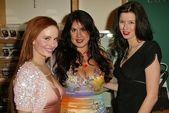 Phoebe Price, Fileena Bahris and Andrea Harrison — Stock Photo