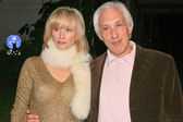 Steven Bochco and his wife Dayna — Stock Photo