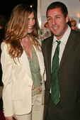 Adam Sandler and wife Jackie — Stockfoto