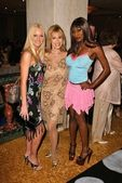 Katie Lohmann, Rhonda Shear and Coco Johnson — Stock Photo