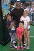 Blair Underwood and children — Stock Photo