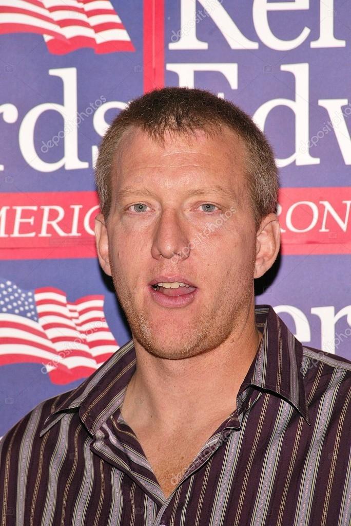 <b>Chris moore</b> lors du rassemblement de la jeunesse de voter pour john kerry et <b>...</b> - depositphotos_17232157-Chris-Moore