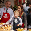 Chief William Bratton with Patricia Heaton — Lizenzfreies Foto