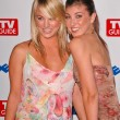 Постер, плакат: Kaley Cuoco and sister Briana