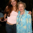 Jenna Mattison and Betty White — Stock Photo