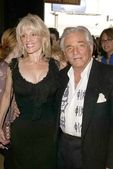 Peter Falk and wife Shera Danese — Stock Photo