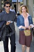 Sharon Lawrence and husband Dr. Tom Apostle — Stock Photo