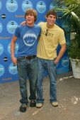 Chris Lowell and Sean Faris — Stock Photo