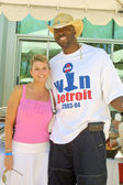 Tamie Sheffield and John Salley — Stock Photo