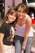 Alexa Vega and sister MacKenzie — Stock Photo