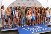 Cris Judd, Molly Sims and the contestants — Stock Photo