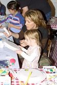 Joely Fisher and daughter Skylar — Stock Photo