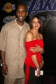 Gary Payton and fiancee — Stock Photo