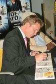 """""""The Dead Zone - Second Season"""" In-Store DVD Signing — Stock Photo"""