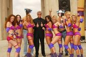 Michael Buffer with members of Chicago Bliss — Stock Photo