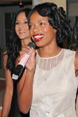 Persia White and Jill Marie Jones — Stock Photo