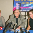Постер, плакат: James Doohan and daughters