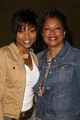 Taraji P. Henson and her mom — Stock Photo