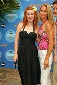 Ashley Johnson and Chelsea Noble — Stock Photo