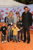 Tony Hawk and family — Stock Photo