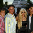 Victoria Gotti with John, Carmine and Frankie Agnello — Stock Photo