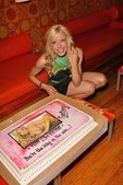 Courtney Peldon and her birthday cake — Stock Photo