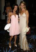 Eva Longoria and Lori Loughlin — Stockfoto