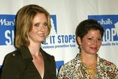 Cynthia Nixon and Daisy Martinez — Stock Photo