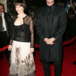 Gale Anne Hurd and Marton Csokas — Foto de Stock