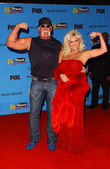 Hulk Hogan and Linda Hogan — Stock Photo