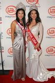 Ms Asia USA and Mrs Asia USA — Stock Photo