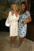 Pamela Anderson and Vivica A Fox at A Special Luncheon Tribute to David LaChapelles Documentary Rize. House of Flaunt, Los Angeles, CA. 03-03-06 — Stock Photo