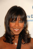 Natalie Cole at the Unforgettable Evening Benefit for EIFs Woman Cancer Research Fund. Regent Beverly Wilshire Hotel, Beverly Hills, CA. 03-01-06 — Stock Photo