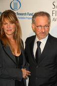 Kate Capshaw and Steven Spielberg at the Unforgettable Evening Benefit for EIFs Woman Cancer Research Fund. Regent Beverly Wilshire Hotel, Beverly Hills, CA. 03-01-06 — Stock Photo