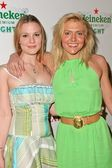 Dominique Swain and her sister Chelsea Swain at the Maxim Magazine party to launch Heineken Premium Light, Mood, Hollywood, CA 03-10-06 — Stock Photo