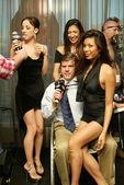 Richard martin bei einem live taping der adam carolla radioshow. ghost bar, palms hotel, las vegas, nv. 09.03.06 — Stockfoto