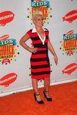 Nickelodeon'ın 19 yıllık çocukların seçimi ödülleri'nde pink. — Stok fotoğraf