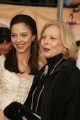 朱丽叶 landau 和母亲芭芭拉 · 贝恩 — 图库照片