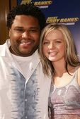 Anthony anderson en hannah spearritt — Stockfoto