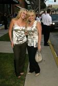 Haylie Duff and Hilary Duff — Stock Photo